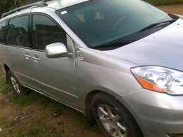 Clean Nigerian Used Sienna 2007 Model At Give Away Price