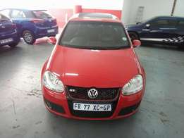2007 Golf5 GTI 2.0, S.Book, Color Red, Prince R138,000.