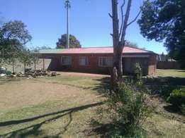 House For Sale, an outside room occupied by a tenant paying R2000pm