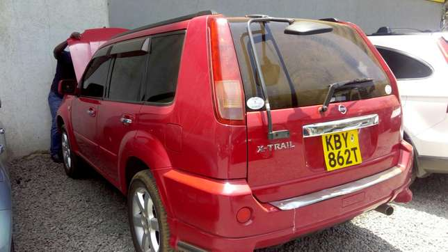 Nissan extrail quick sale very clean in mint condition Nairobi CBD - image 3
