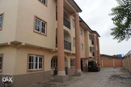 Block of 6 flat for sale at magodo phase 1,lagos.
