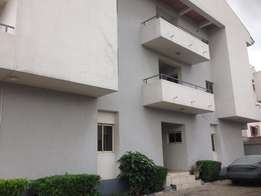 Serviced 3 bed flat in Parkview Estate for N3.5m
