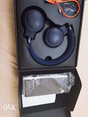 For Sale JBL LIVE 400BT And JBL TUNE120tws Bluetooth Headset Bundle