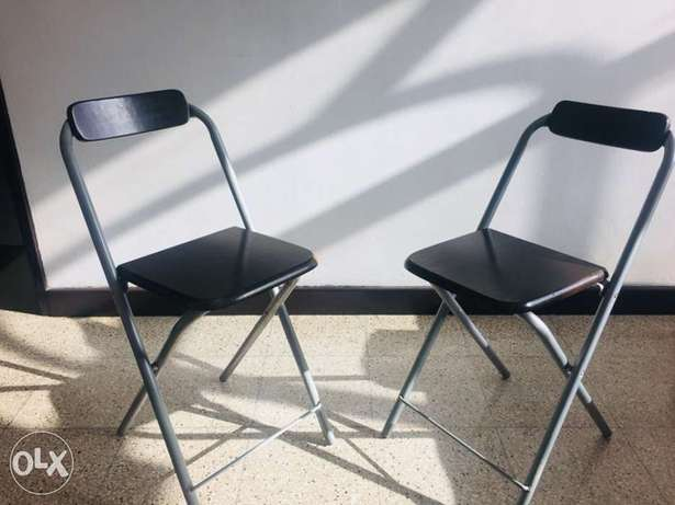 Foldable outdoor chairs (2 nos)