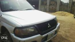 Clean Reg 03 Mitsubishi Montero up grab.