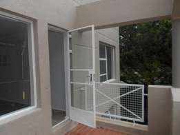 NEW! TO LET! Beautiful 2 Bedroom Apartment In Upmarket Madison Palms.
