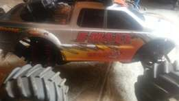 Traxxas E-Maxx Rc Truck for sale.