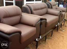 Newly made complete set of sofa for an affordable price