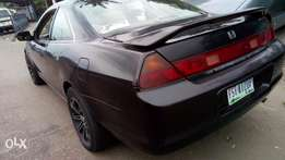 Sharp and sound firstbody Honda Accord with factory chilling a