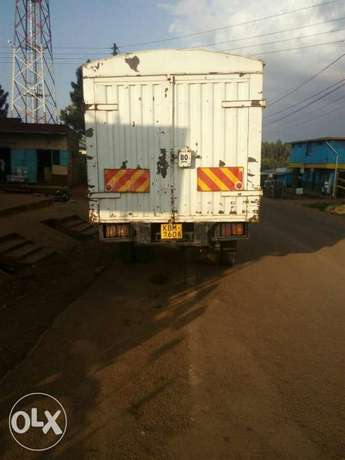 Fuso selling as it goes on warking Gigiri - image 3