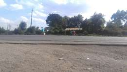 Quick sale ,Commercial plot along Nairobi-Naivasha highway 100 * 100