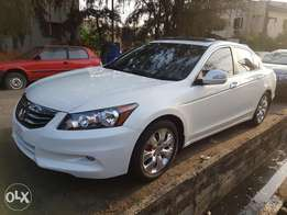 Honda Accord 2009 upgraded to 2011 model very clean buy and drive leat