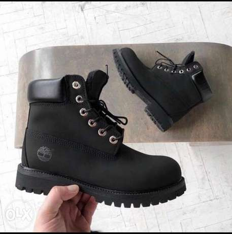timberland black with box