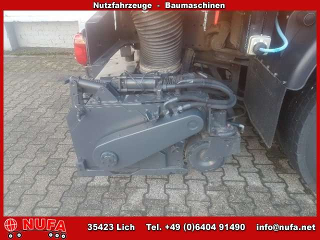 Schmidt man tgm 18 330 4x2 as 990 airport sweeper for sale