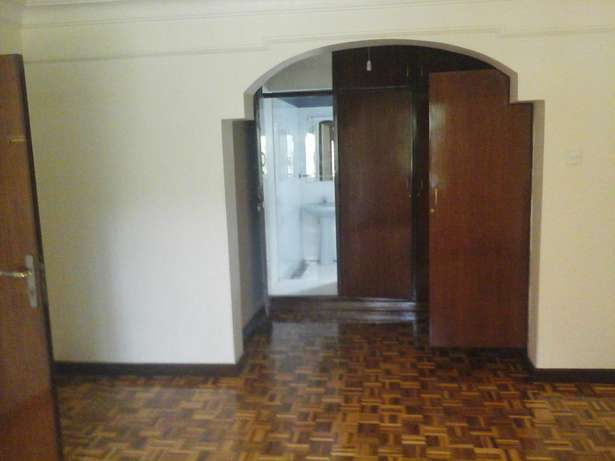 Lovely 4 bedroom town house. Lavington - image 7