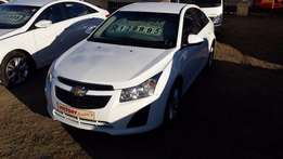 Chevrolet Cruze 1.6 LS ( 2014 ) Very Neat with all the luxuries