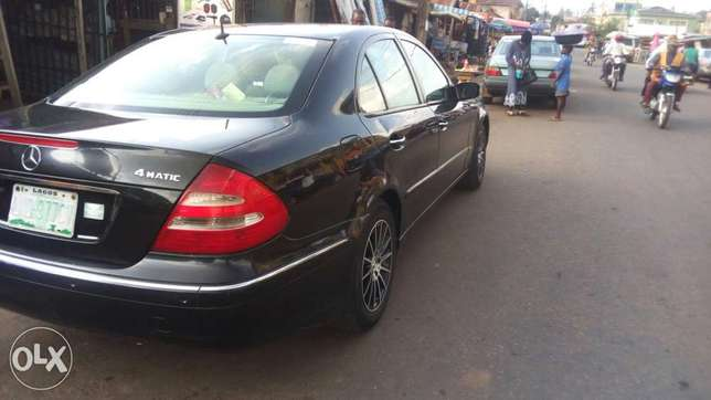 Extra clean Benz E350 at affordable Price Akure South - image 4