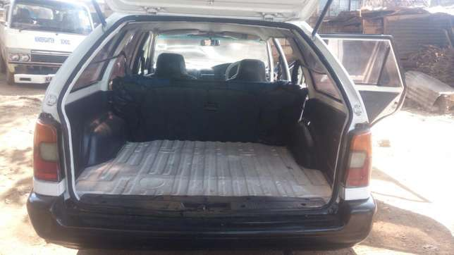 A very clean car with leaf springs and a new engine (4e ) Njathaini - image 4