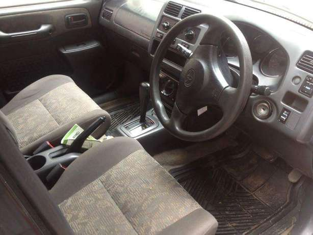Old school Clean Toyota Rav 4 lady owner just buy and drive Nairobi CBD - image 4