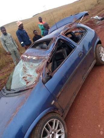 Car for stripping engine in running condition and original factory lea Kriel - image 1