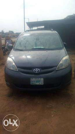 Reg toyota Sienna 2007 model auto trans ac cd for 1.3m Isolo - image 1