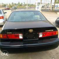 Extremely clean and fresh Toyota Camry tokunbo Lagos clear