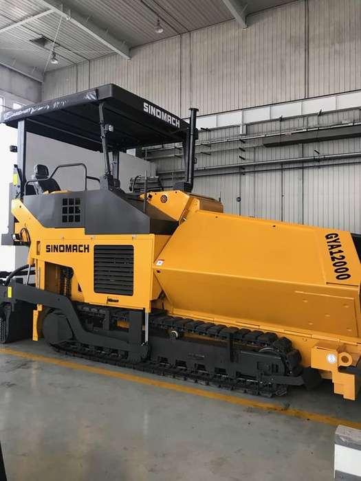 New Sinomach crawler asphalt paver