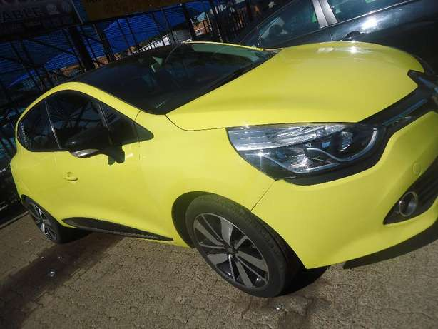 2014 Renault Clio 1.6 Available for Sale Johannesburg - image 3