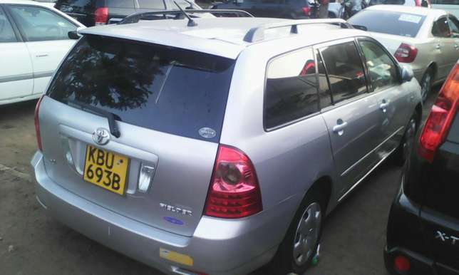 1500 cc Toyota Fielder very clean on quick sell Nairobi CBD - image 1