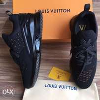 Quality black Louis Vuitton shoe