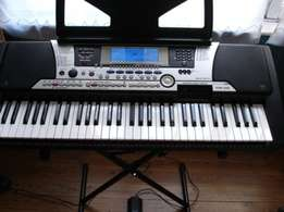 Affordable PSR-S550 Yamaha keyboard