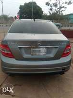 Foreign used /Toks 2009 Mercedes Benz C300 4matic.. Accident free