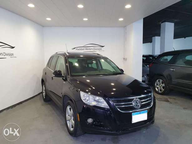 2010 V.W Tiguan SEL 4 Motion Black/Black Leather Navigation Like New