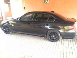 BMW 320i for URGENT sale