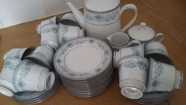 You want to host tea parties with this stunning Noritake Blue Hill set Strand - image 2