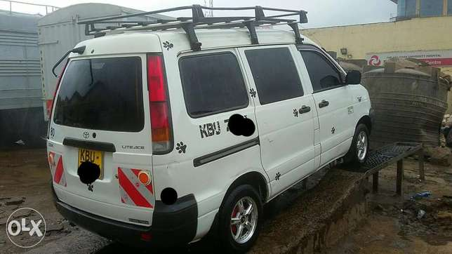 Toyota townace Eastleigh North - image 1