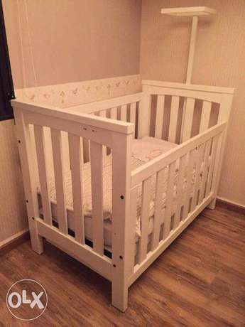 For Sale 2 Cribs with Drawer In Good Condition