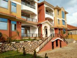 Luxurious three bedroom apartment house for rent in naalya at 1m