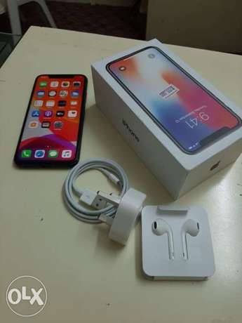 iPhone X 256 gb with box and all accessories with warranty