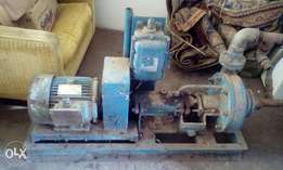Complete pump with motter.