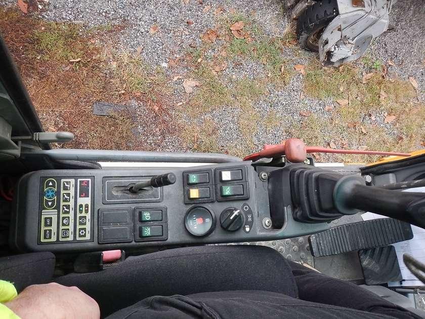 Volvo EW140B - 2005 - image 33