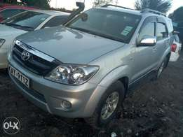 Toyota fortuner Kay local, year 2006