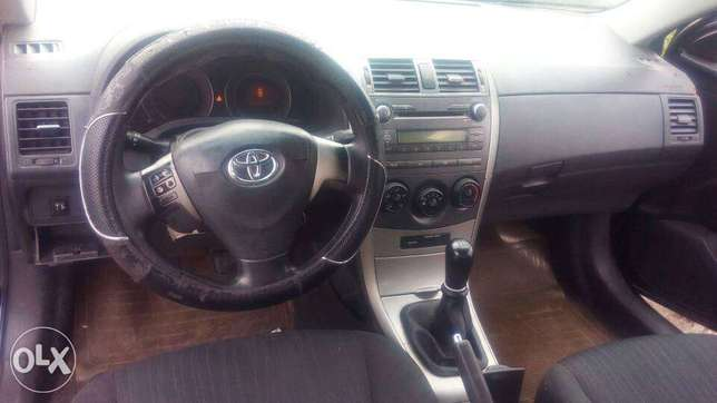 Manual Gear Reg 2009 Toyota Corolla LE In A Buy And Drive Condition. Lekki - image 5