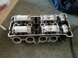 Yamaha R1 big bang cylinder head