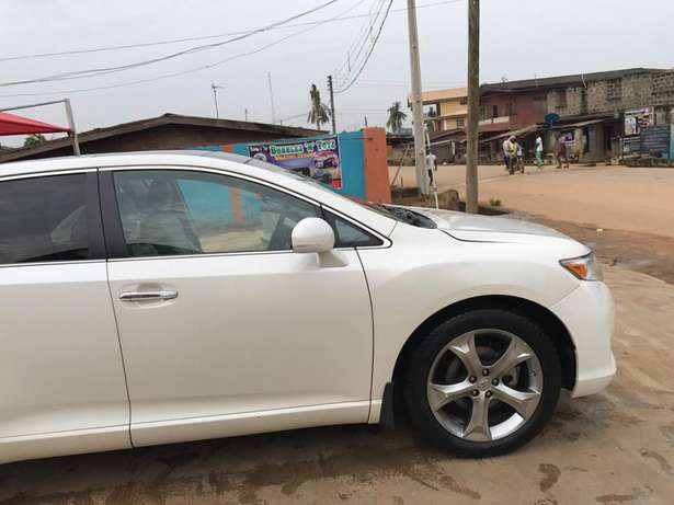 Tokunbo venza for sale full options 011 model Alimosho - image 2