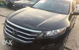 2012 Honda crosstour very clean and affordable