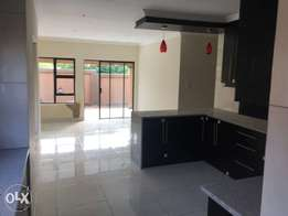 3 bedrooms double garage house to let