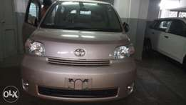 Toyota Porte 2010 model KCN number loaded with alloy rims good mu