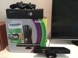 XBox360 Console + Kinect + 2 x Wireless Controllers + 30 Games