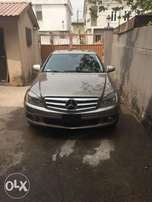 Extremely Clean 2008 Mercedes Benz C 300 4Matic